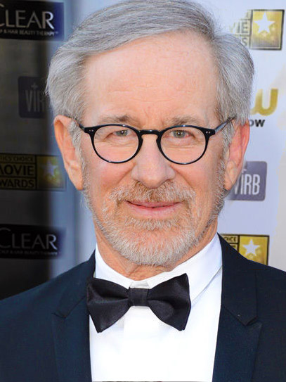 What-Makes-Steven-Spielberg-a-Ladies-Man-in-the-Oscar-Red-Carpet-2013.
